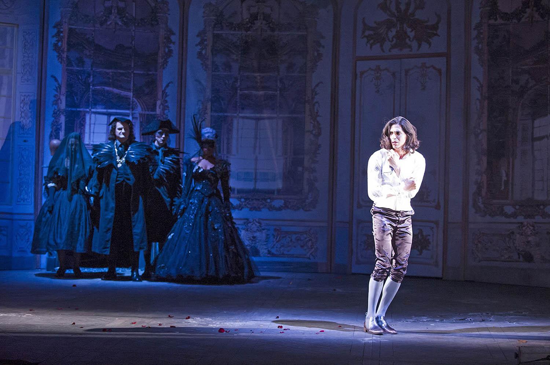 A scene from La Finta Giardiniera by Mozart @ Glyndebourne.(Opening 28-06-14)©Tristram Kenton 06/14(3 Raveley Street, LONDON NW5 2HX TEL 0207 267 5550  Mob 07973 617 355)email: tristram@tristramkenton.com